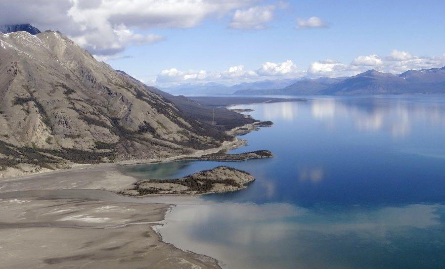 Reise in Kanada, Wanderer genießen wunderbaren Ausblick im Tombstone Territorial Park