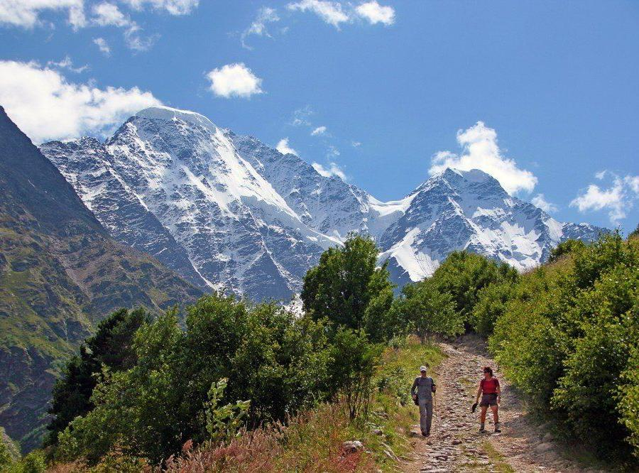 Reise in Russland, Ausblick vom Gipfel des Elbrus über den Kaukasus