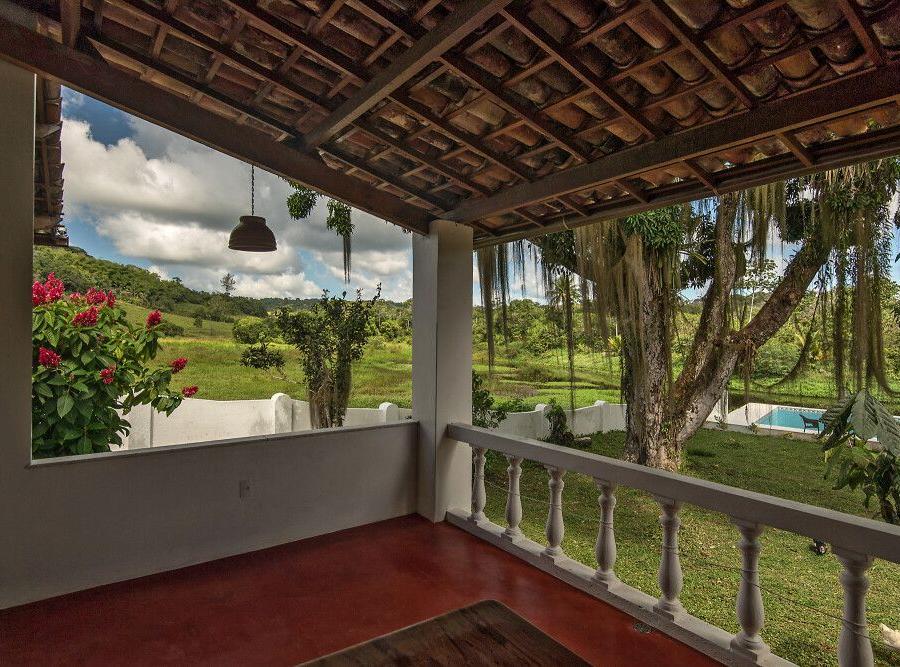 Reise in Brasilien, Blick von der Veranda auf das unendliche Grün