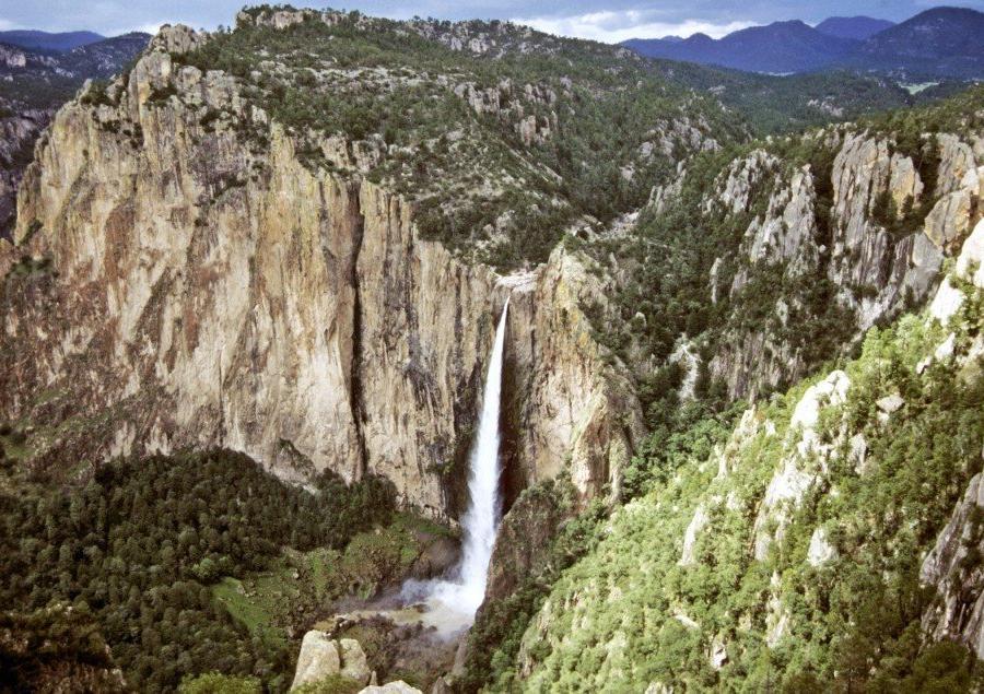 Reise in Mexiko, Wasserfall Basaseachic im Herbst