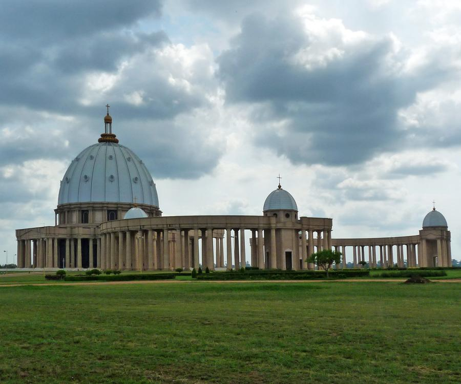 Reise in Elfenbeinküste, Der Vatikan in Afrika