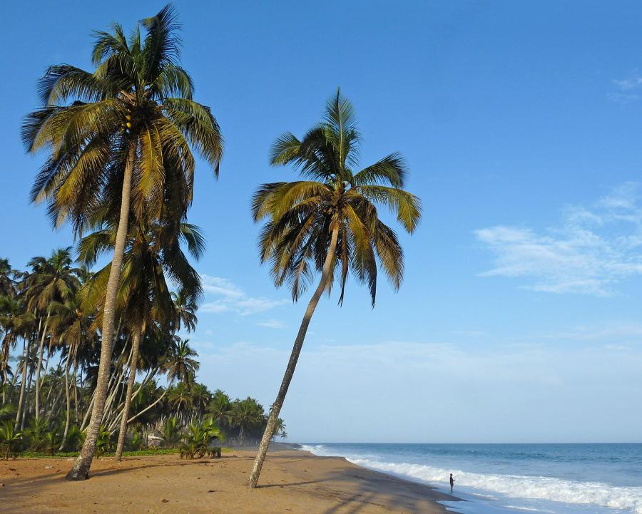 Reise in Elfenbeinküste, Am Strand bei Sassandra