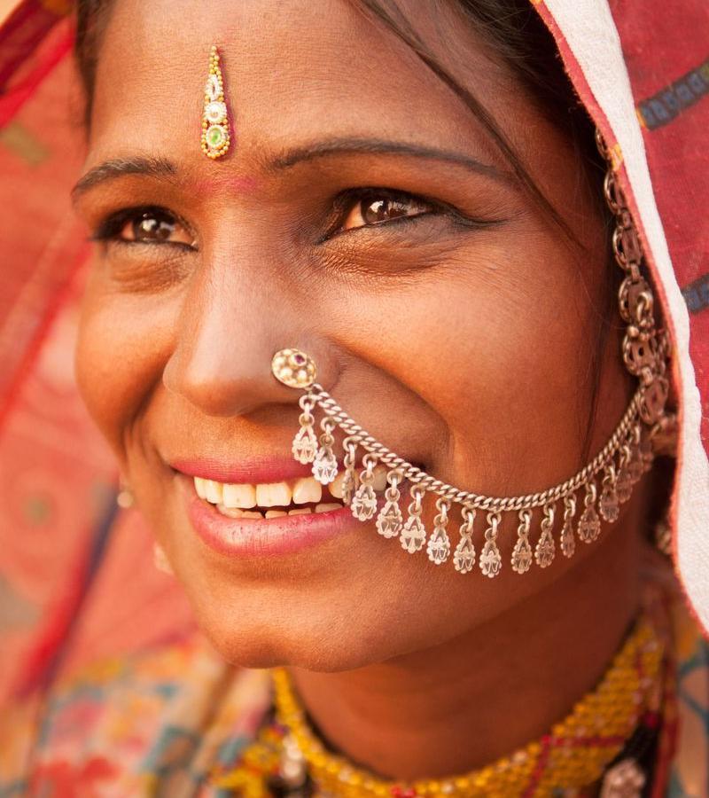 Reise in Indien, Freizeit im Hotel inmitten der Natur oder interessante Begegnungen beim Wandern
