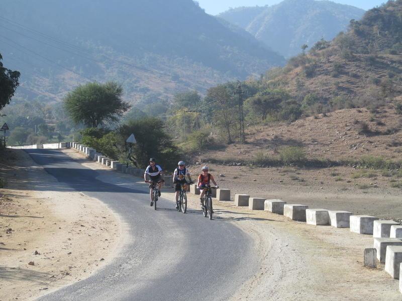 Reise in Indien, Die Radreise führt durch die unterschiedlichen Landschaften Rajasthans