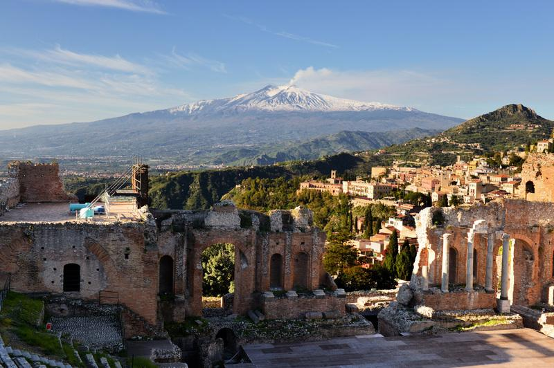 Reise in Italien, Blick auf Siziliens' Ätna