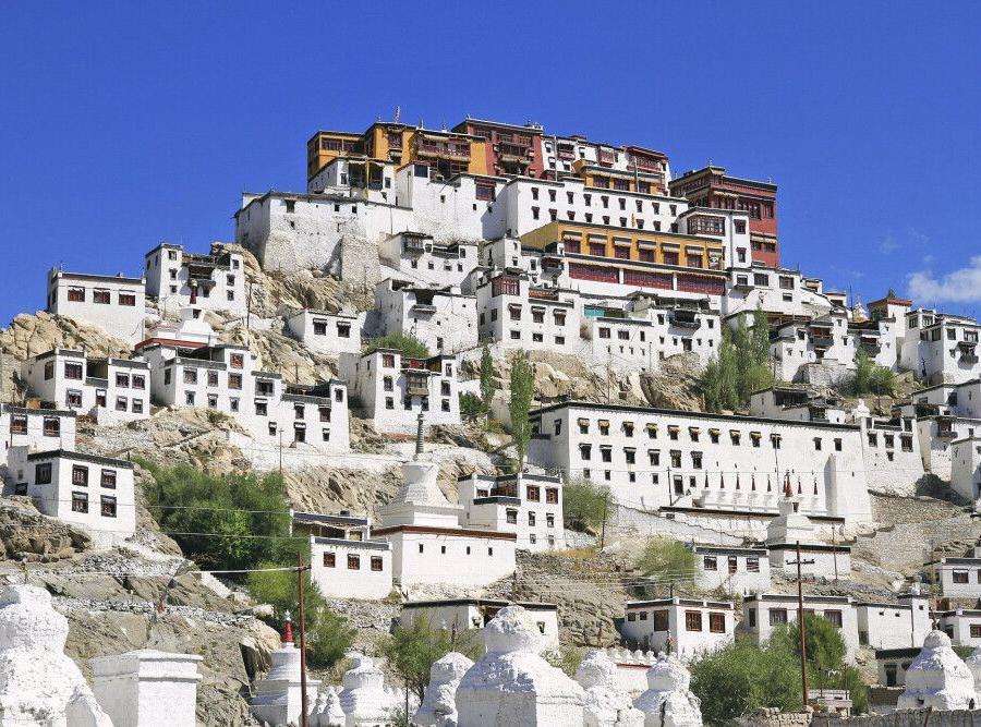Reise in Indien, Die Klosterburg Thiksey erinnert stark an Tibet