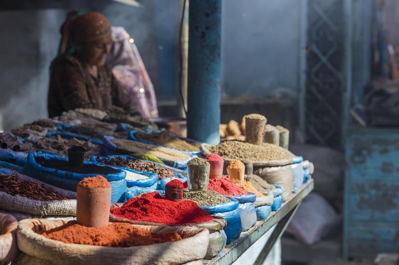 Reise in Kirgistan, Osh-Markt mit Gewürzen in Kirgisistans Hauptstadt Bishkek