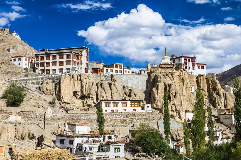 Reise in Indien, Kloster Lamayuru, eines der spektakulärsten Klöster von Ladakh