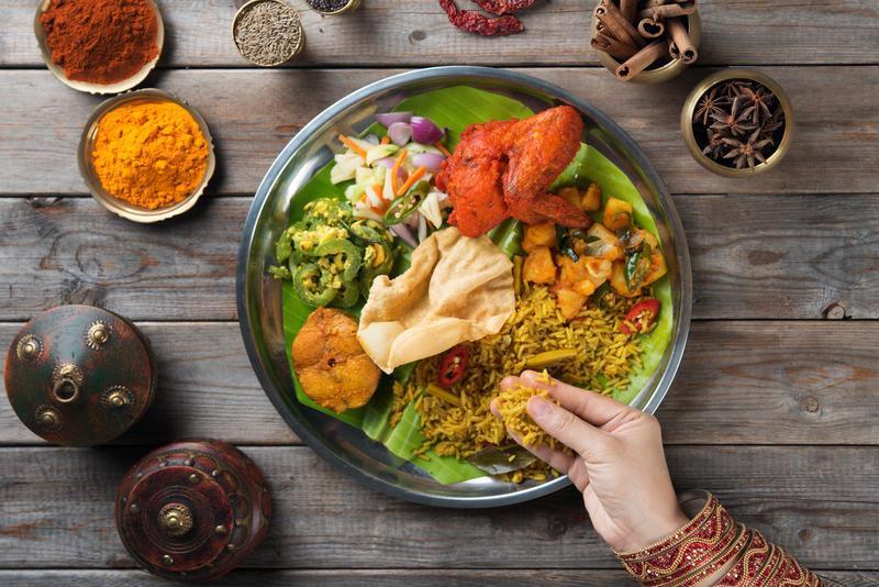 """Reise in Indien, Wir lassen unsere Reise im Spezialtäten-Restaurant """"Chore Bizarre"""" ausklingen"""