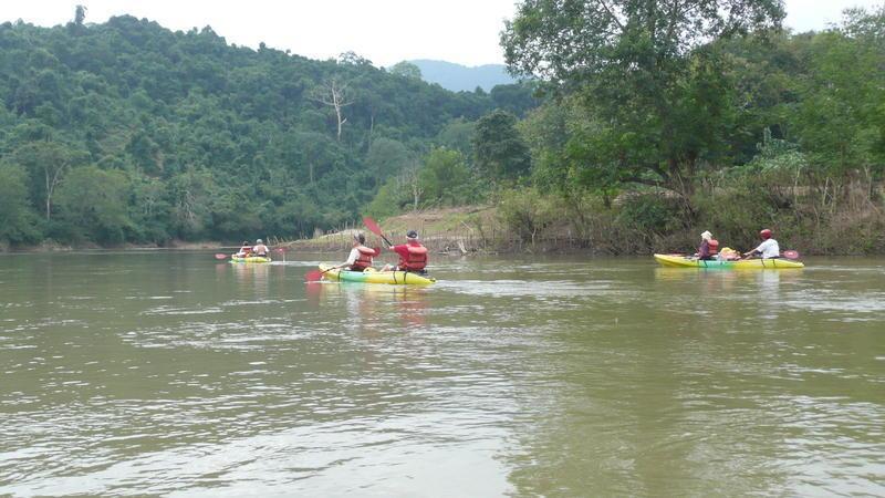 Reise in Laos, Kajak fahren auf dem Nam Khan in Laos