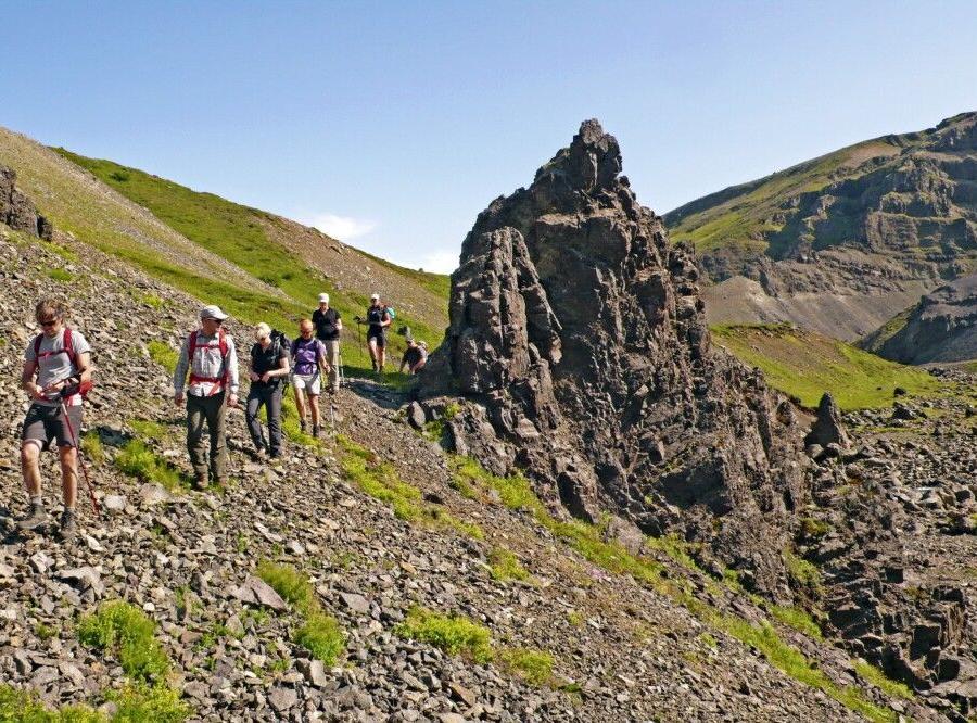 Reise in Island, Durch das einsame Hochland
