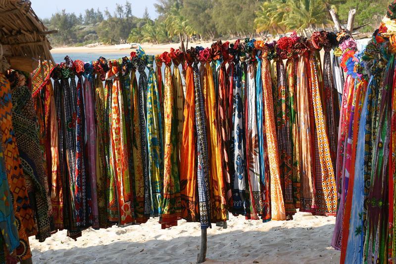 Reise in Madagaskar, Sarong am Strand in Madagaskar