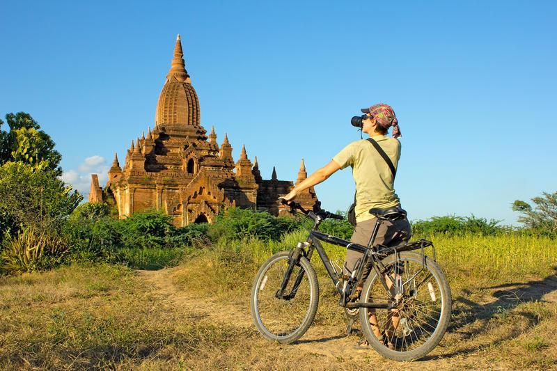 Reise in Myanmar, Birma: Pagonenfeld von Bagan per Rad erkunden