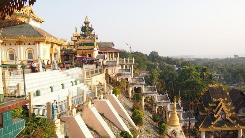 Reise in Myanmar, Aussicht von der Kyaiktanlan-Pagode in Mawlamyine