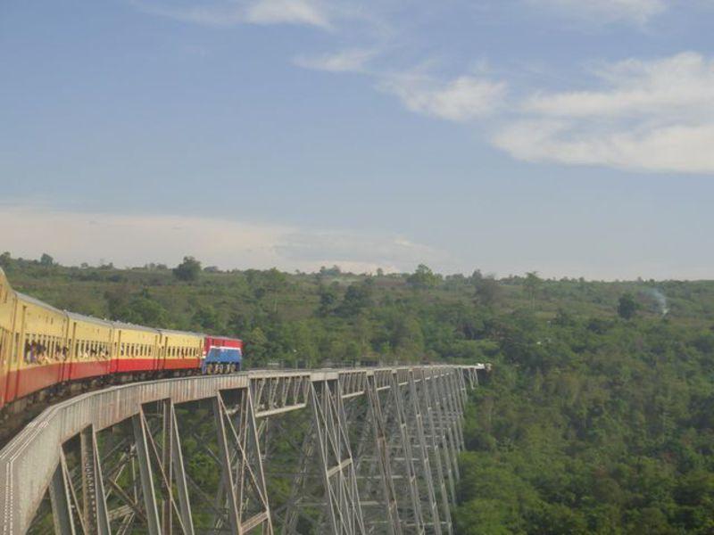 Reise in Myanmar, Das Gokteik Eisenbahn-Viadukt in Myanmar