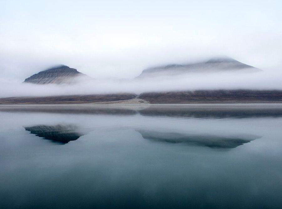 Reise in Arktis, Spiegelungen im Dicksonfjord