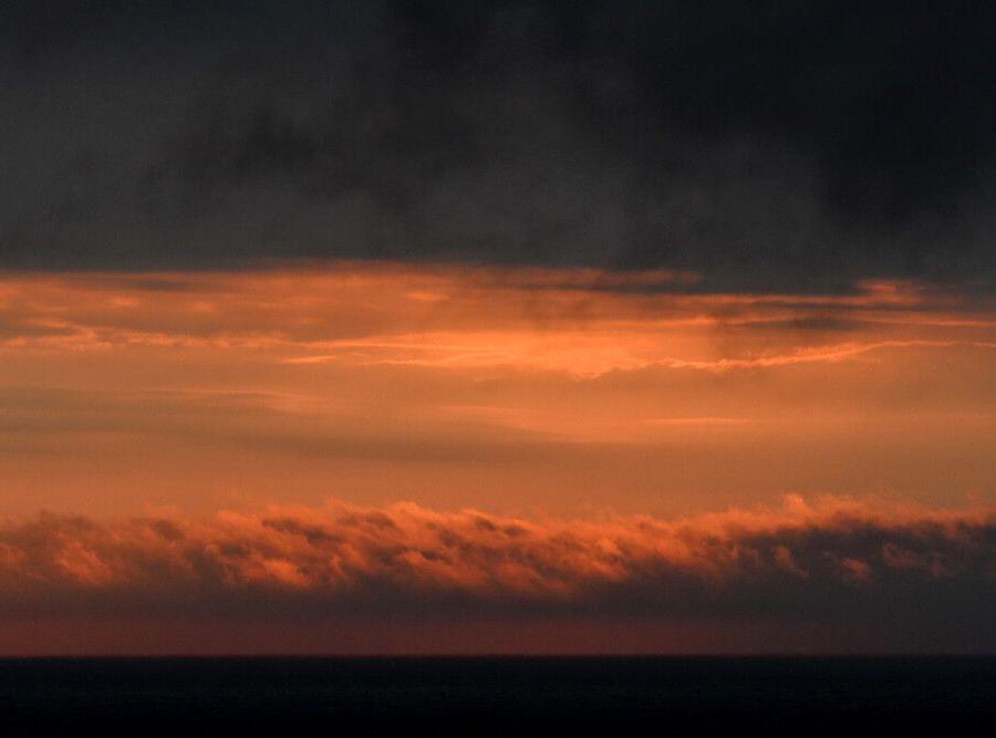 Reise in Arktis, Die Belohnung fürs Warten im Nebel: Sonnenuntergangsfarben im Bellsund