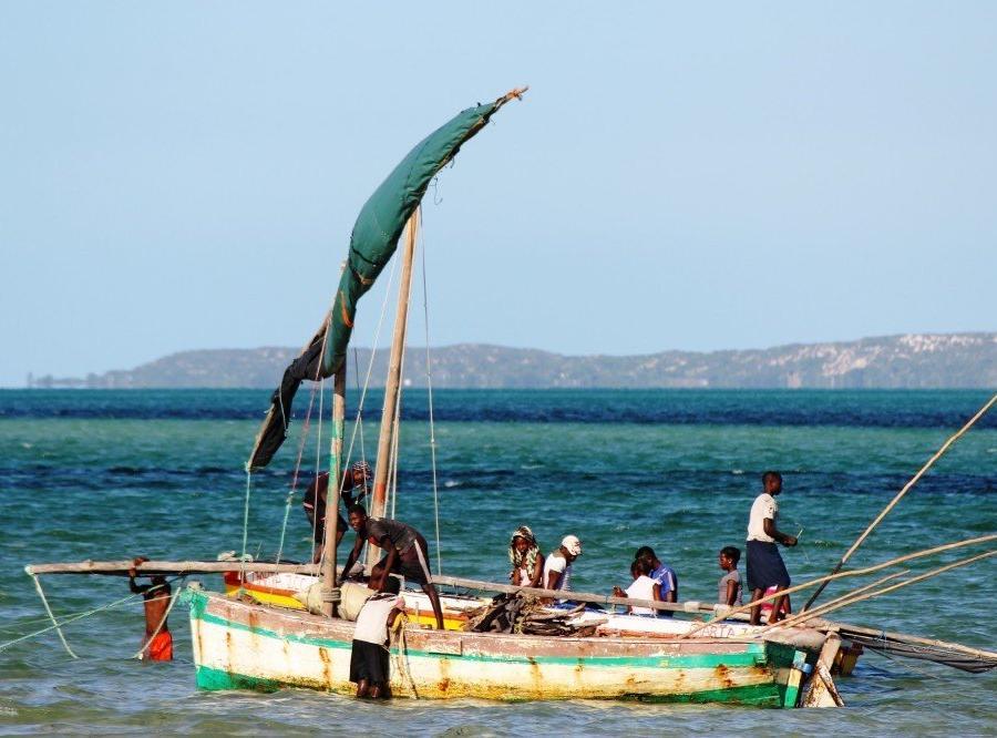 Reise in Mosambik, Traditionelle Dhau vor der Bazaruto-Insel, Vilankulo