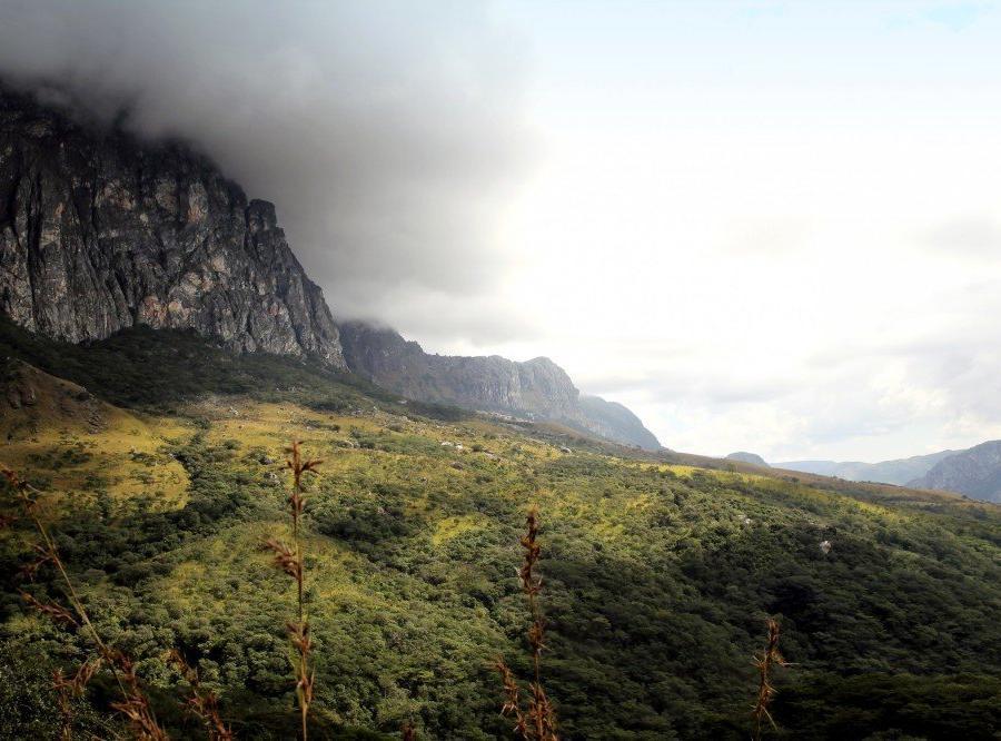 Reise in Mosambik, Dramatische Wolkenbildung in den Chimanimani-Bergen