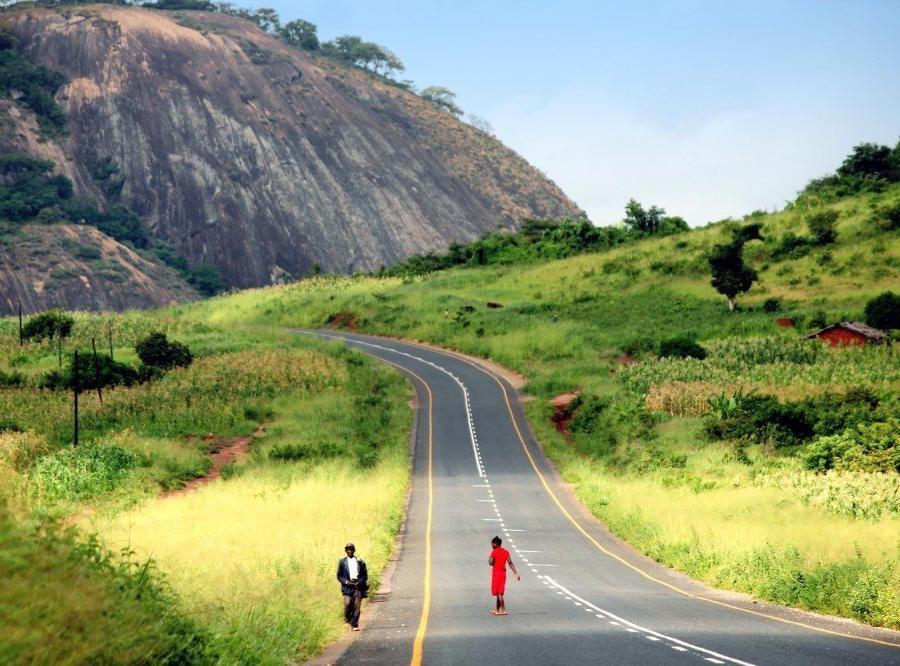 Reise in Mosambik, Inselberge bei Sussundenga, Manica-Provinz