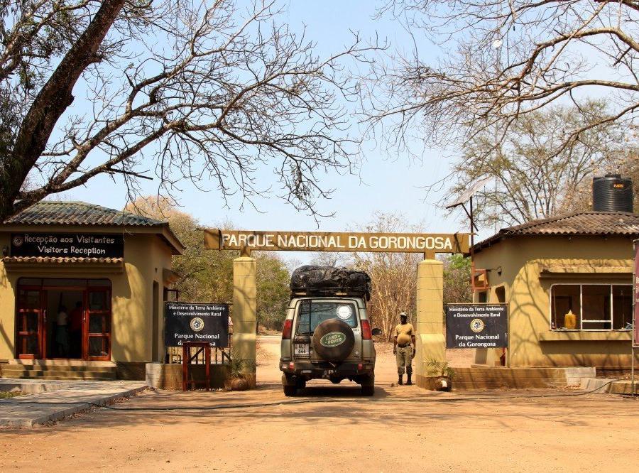 Reise in Mosambik, Haupteingang zum Gorongosa-Nationalpark