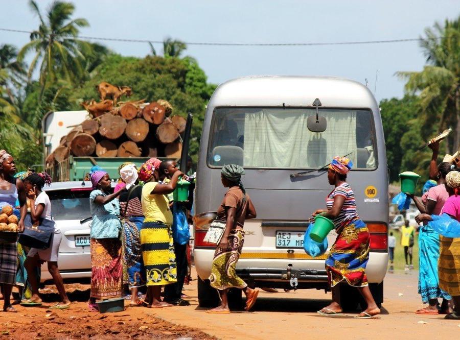 Reise in Mosambik, Fliegende Händler in Inharrime, Inhambane-Provinz