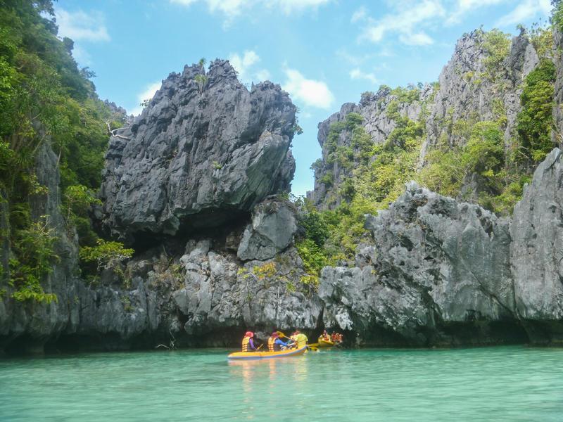Reise in Philippinen, Strände, Felsen und Buchten bei El Nido auf den Philippinen