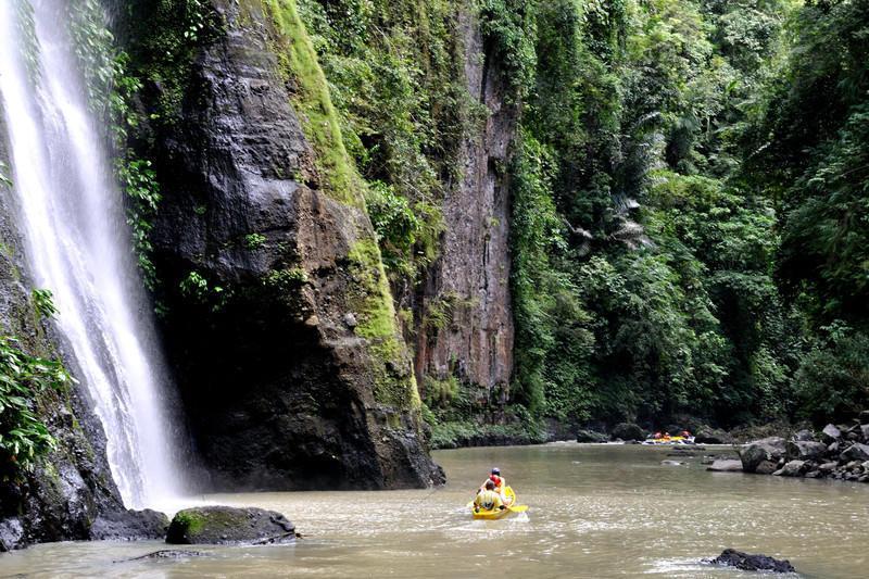 Reise in Philippinen, Kanutour auf dem Pagsanjan-Fluss