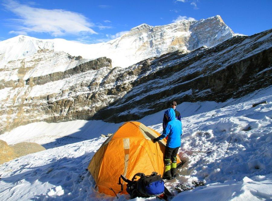 Reise in Nepal, Putha Hiunchuli