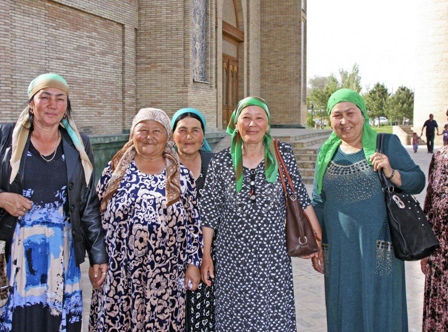 Reise in Usbekistan, Taschkent - Begegnung an der Barak Khan Moschee