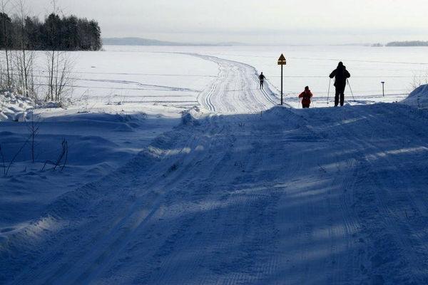 Reise in Finnland, Skiwanderung von Gasthaus zu Gasthaus