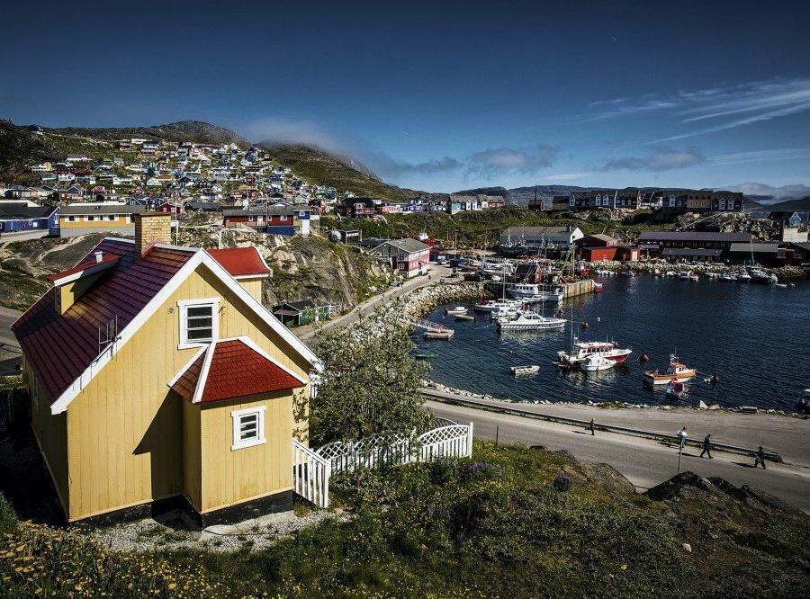 Reise in Grönland, In der kleinen Siedlung Qaqortoq