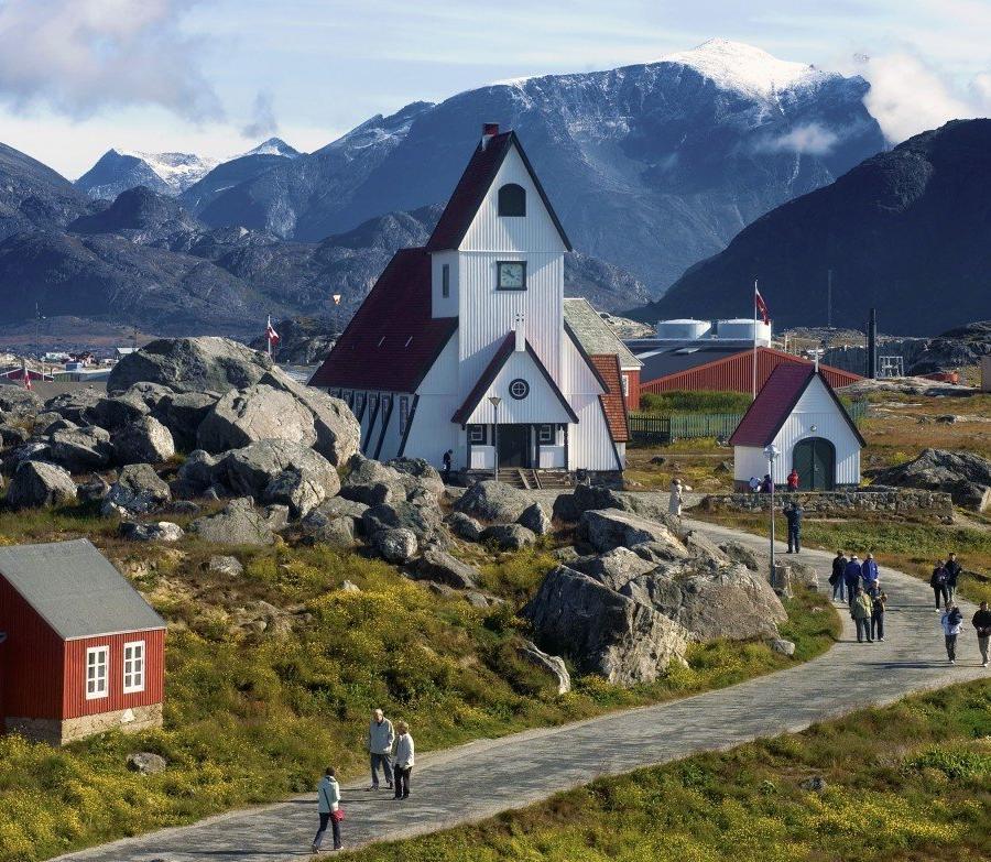 Reise in Grönland, Unterwegs im kleinen Ort Nanortalik