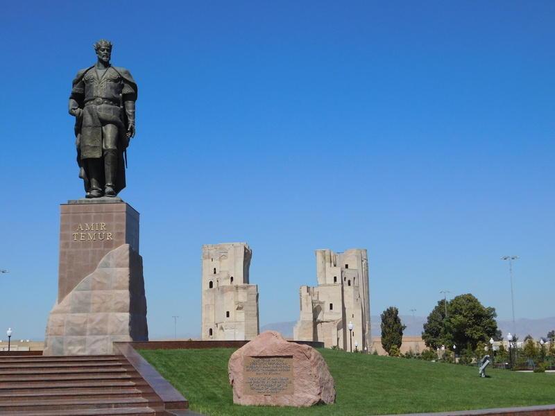 Reise in Usbekistan, Temur-Denkmal in Schachrisabs