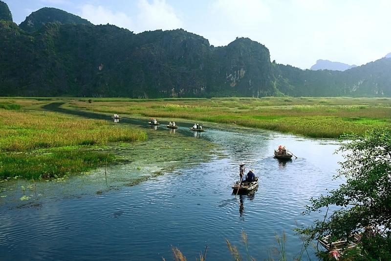 Reise in Vietnam, Ruderbootfahrt in einer Lagune im Van Long Naturreservat