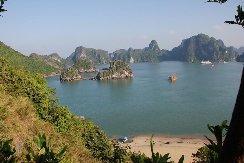 Reise in Vietnam, Vietnam: Aussicht auf die Halongbucht