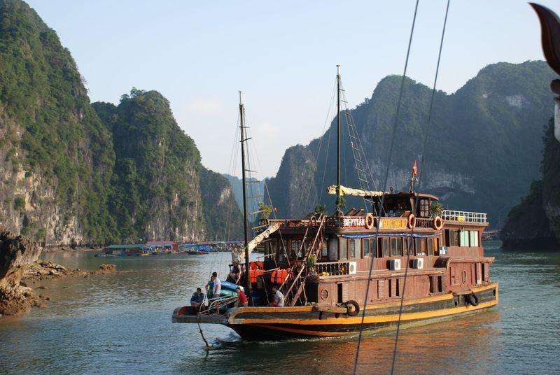 Reise in Vietnam, Vietnam: Unterwegs mit der Dschunke in der Halongbucht