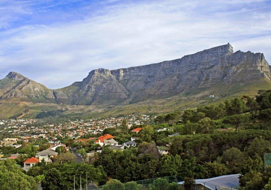 Reise in Südafrika, Blick auf den Tafelberg, Von der deutschen Schule aus