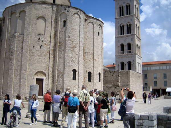Reise in Kroatien, Stadtführung in Zadar an der byzantinischen Donatskirche