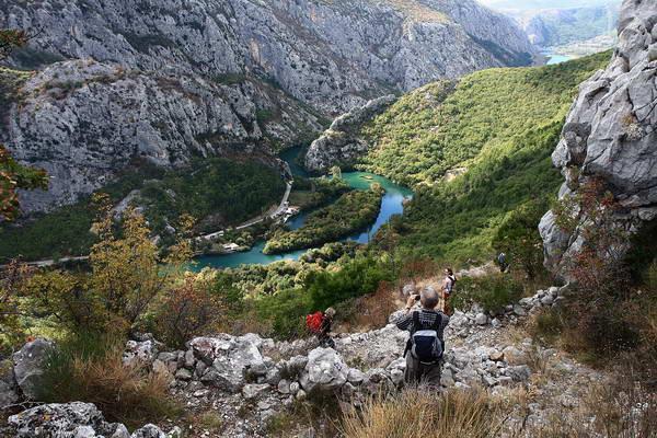 Reise in Kroatien, Abstieg ins Tal der Cetina