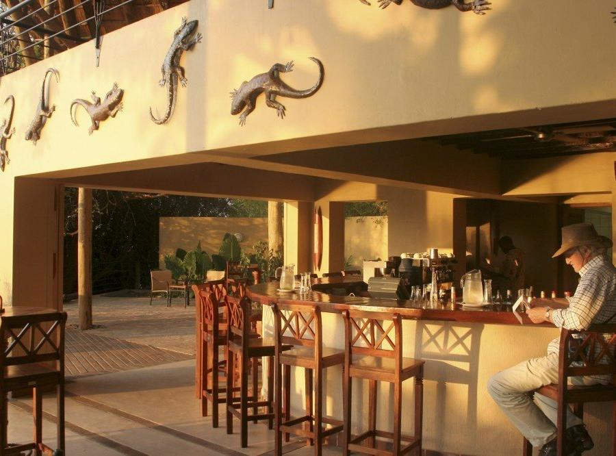 Reise in Botswana, Chobe Safari Lodge: Bar