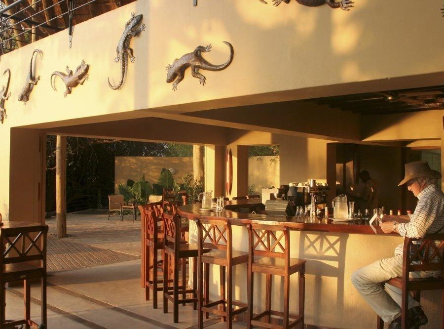 Reise in Botswana, Chobe Safari Lodge: Bar