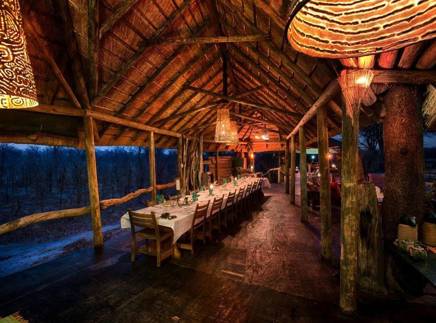 Reise in Botswana, Abendtafel im Hyena Pan Tented Camp