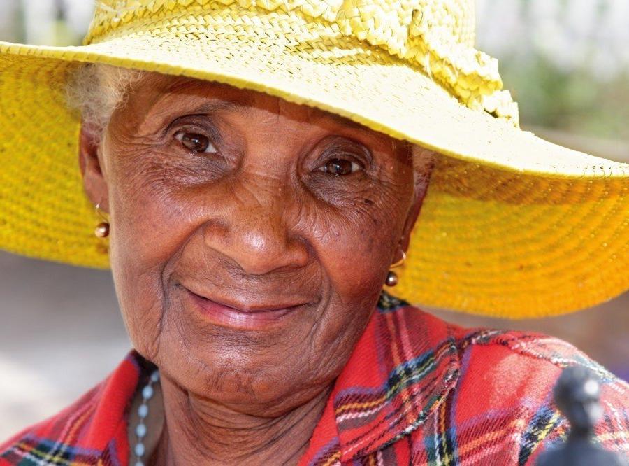 Reise in Madagaskar, Alte Dame