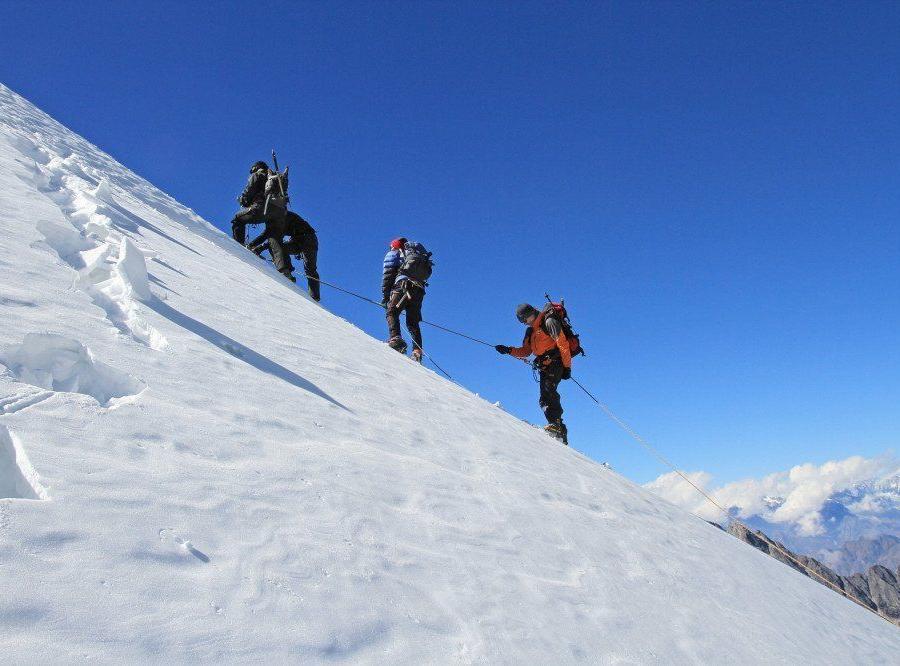 Reise in Nepal, Gipfelfreude am Yalung Ri (5630 m)