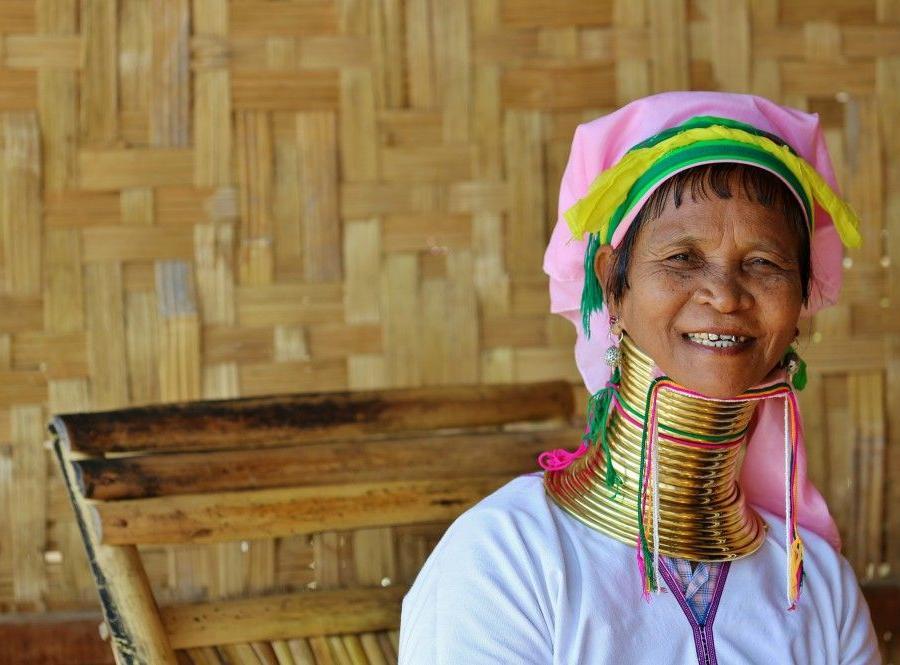 Reise in Myanmar, Kajakfahren auf dem Inle-See durch die schwimmenden Beete der Intha